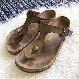 Birkenstock's Gizeh sandal leather upper gold tan